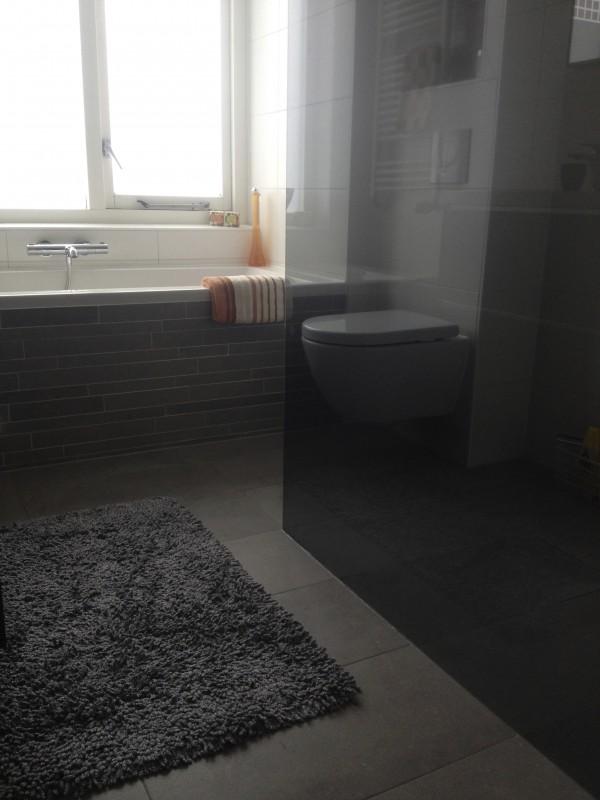 Projecten van daanbouwt klusbedrijf in den haag - Moderne betegelde vloer ...