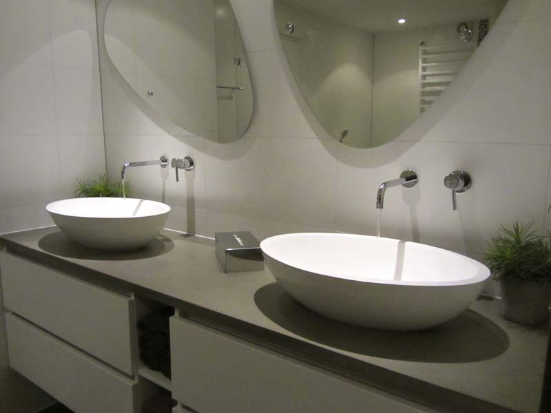 Badkamer dubbele wastafel home design idee n en meubilair inspiraties - Meubilair vormgeving van de badkamer dubbele wastafel ...